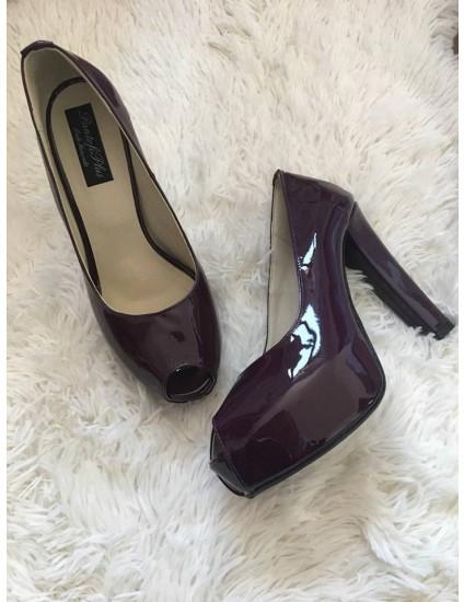 Pantofi Pety decupati piele lacuita mov inchis - pe stoc
